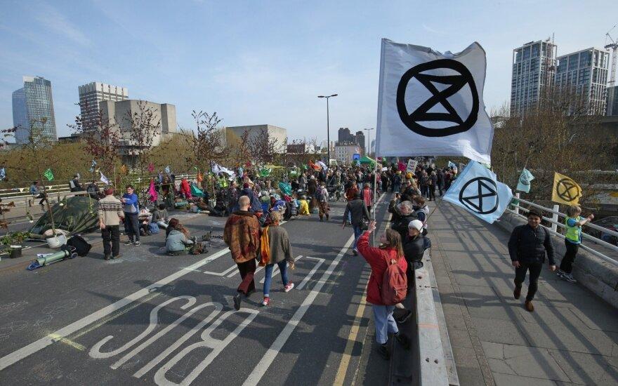 Protestas Londone prieš klimato kaitą