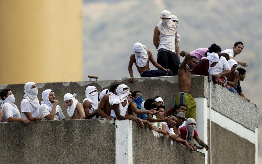 Venesueloje per riaušes kalėjime žuvo mažiausiai 17 žmonių