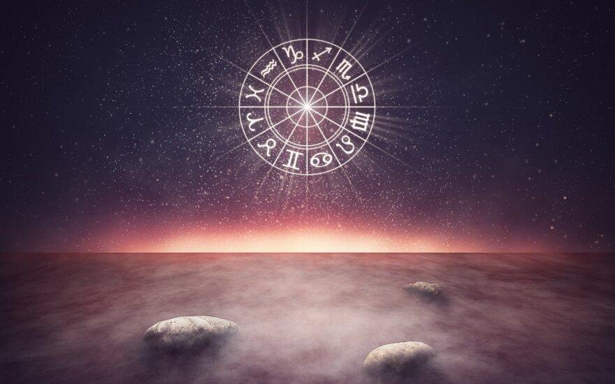 Astrologės Lolitos prognozė rugsėjo 21 d.: nusiteikite staigmenoms