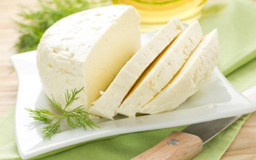 Petronių kaimą garsina ypatingi sūriai