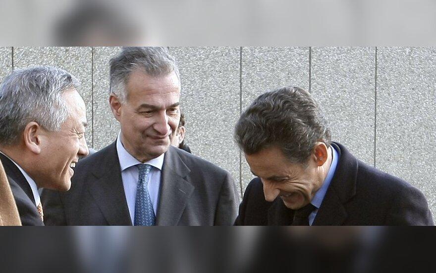 STX vadovai Kang-Sik Rhee ir Jacquesas Hardelay su Prancūzijos prezidentu Nicolas Sarkozy