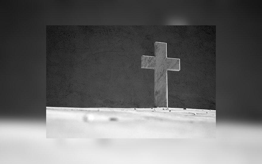 Lenkijoje prasideda karas dėl kryžių