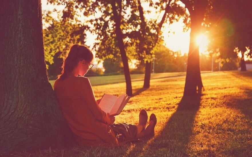 Skaitymo terapija: kodėl knygos gydo?