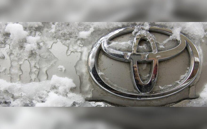 """Sniegas sustabdė """"Toyotos"""" gamyklų darbą"""