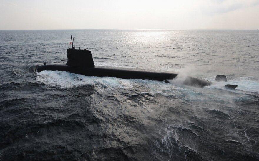 Japonija į Artimuosius Rytus siunčia karinį laivą ir patrulinių lėktuvų
