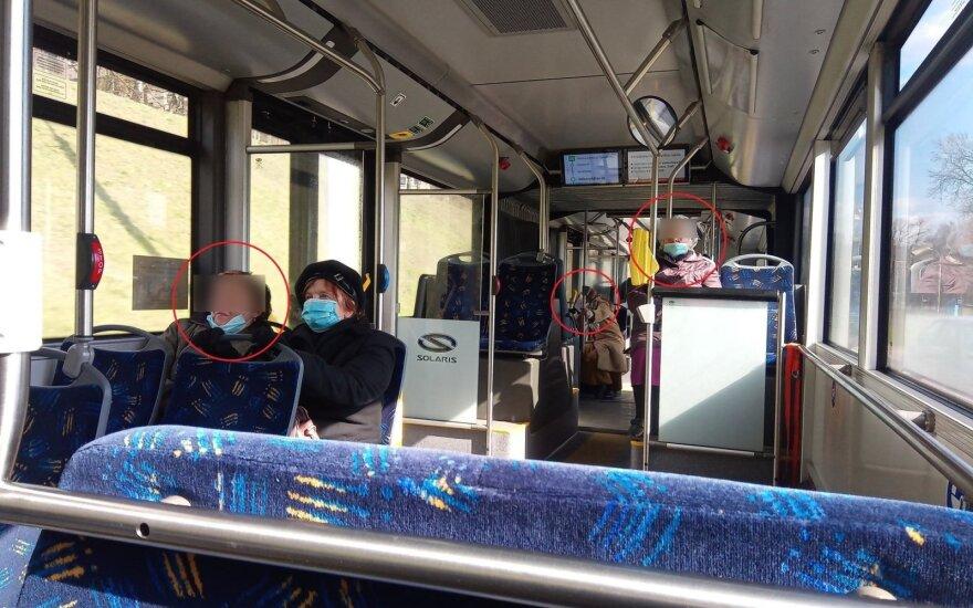 Vyrą nustebino senyvo amžiaus moterų elgesys autobuse: taip karantinas tęsis dar ilgai