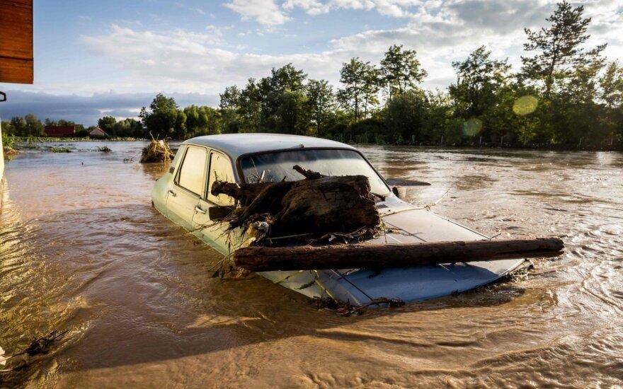 Per potvynius Rumunijoje žuvo keturi žmonės