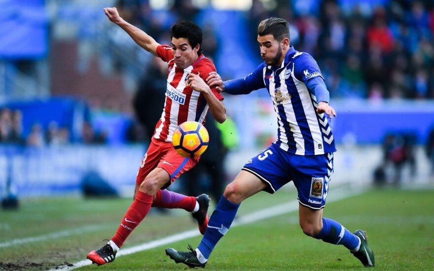 Theo Hernandezas (dešinėje)