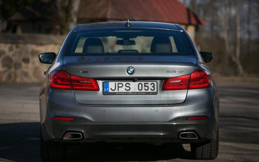 """BMW 5"""