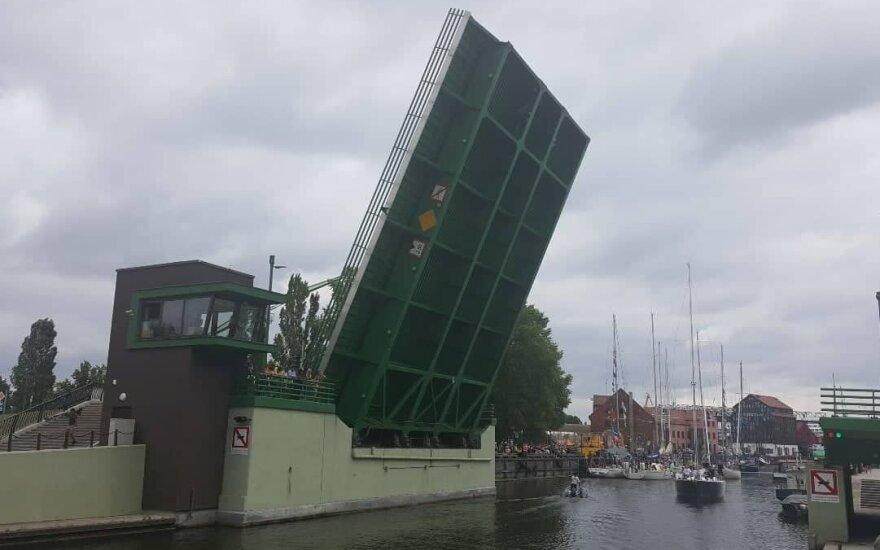 Pilies tiltas