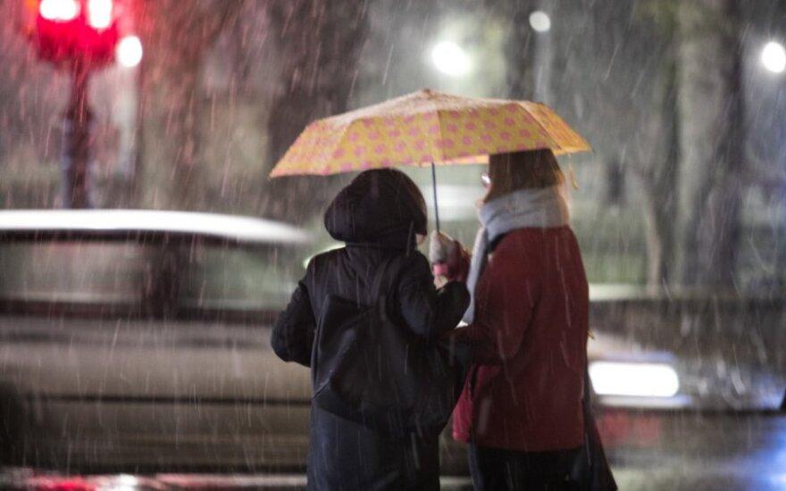 Orai: artinasi šiltesni, bet drėgni pokyčiai