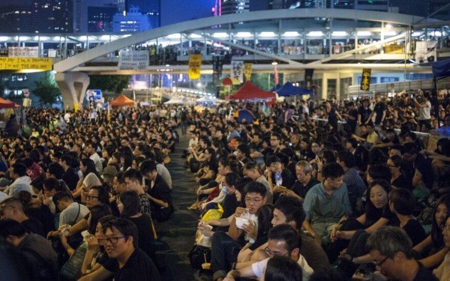 Honkongo vadovas ištiesė alyvos šakelę protestuotojams