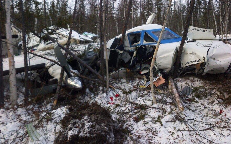 Rusijoje sudužo keleivinis lėktuvas, žuvo mažiausiai aštuoni žmonės