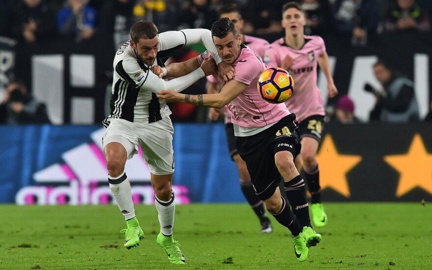 """Claudio Marchisio (""""Juventus) ir Illja Nestorovski (""""Palermo"""")"""