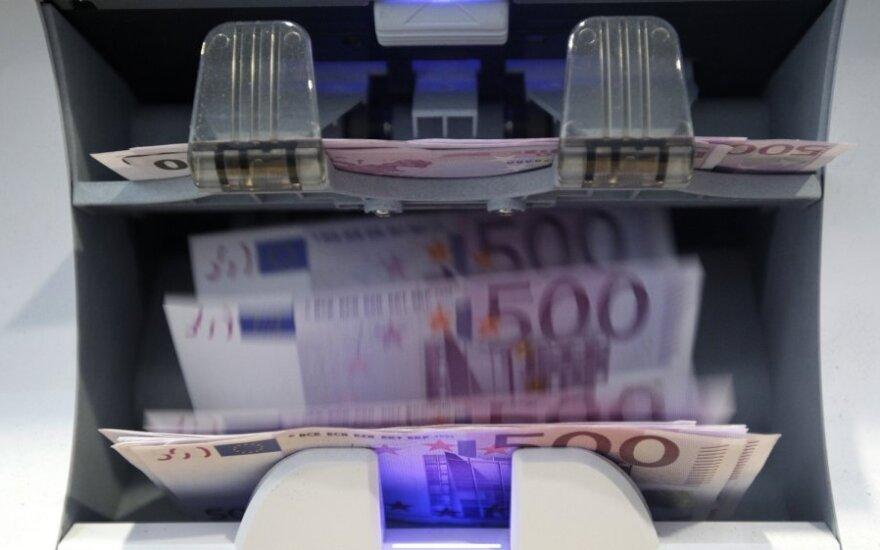 Bankai įsipareigojo prisidėti prie sklandaus euro įvedimo