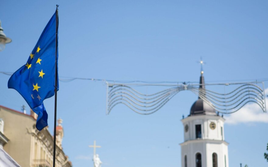 Lithuanians most optimistic about Europe's economy - Eurobarometer