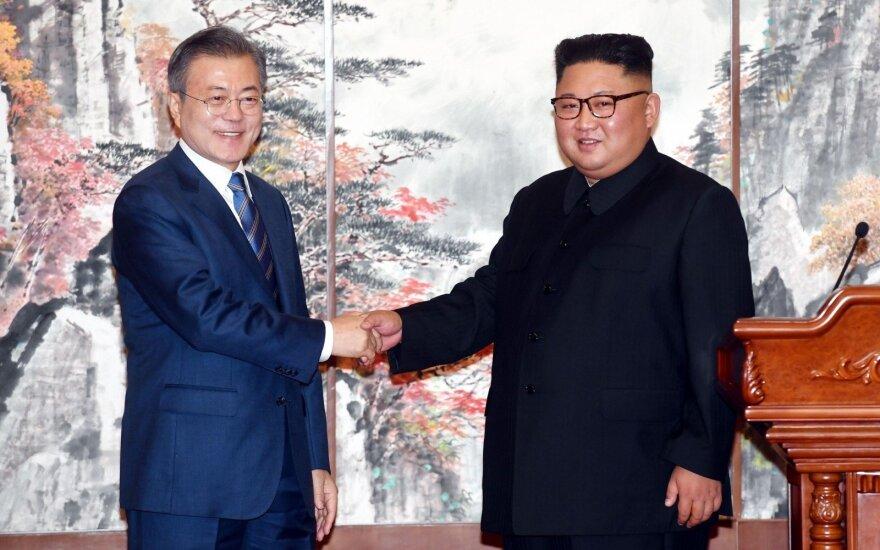 Moon Jae-inas ir Kim Jong Unas