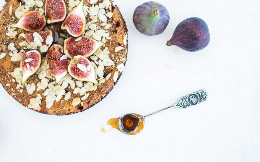 Migdolų ir medaus pyragas
