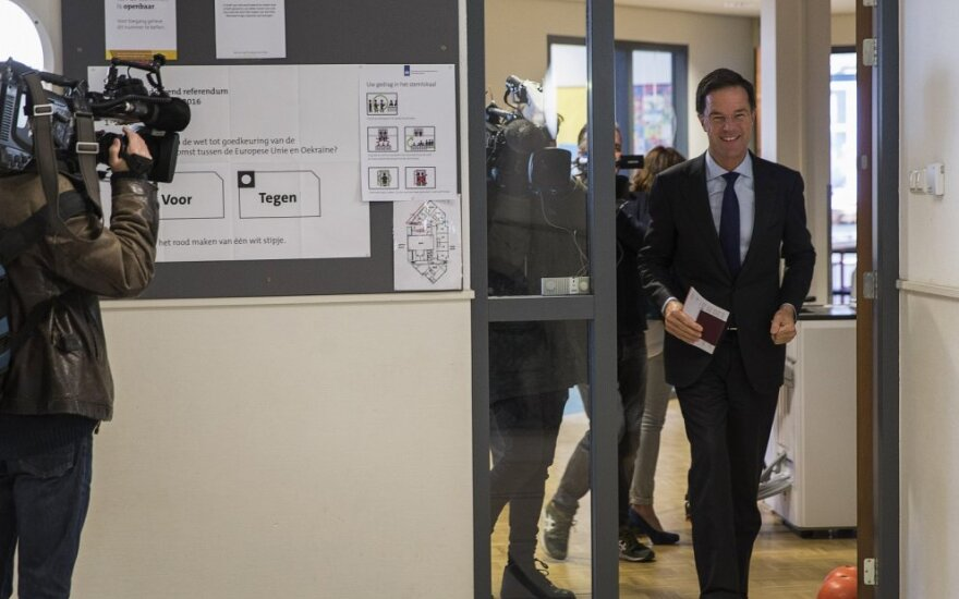 Nyderlandų vyriausybė atlaikė balsavimą dėl nepasitikėjimo šalies parlamente
