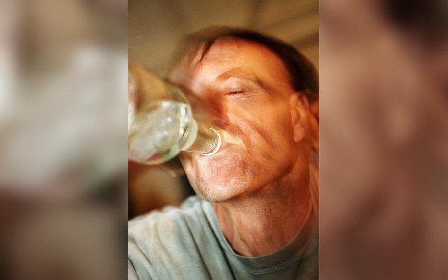 girtumas, alkoholis, alkoholikas