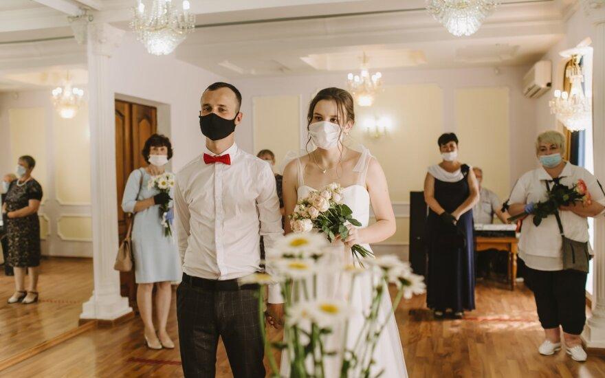 Paskaičiavo, kiek kainuoja vestuvės per pandemiją: tokie skaičiai privers kuo greičiau žengti prie altoriaus