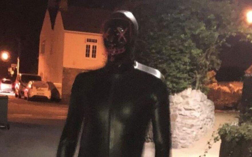 Miestelį terorizuojantis fetišistas