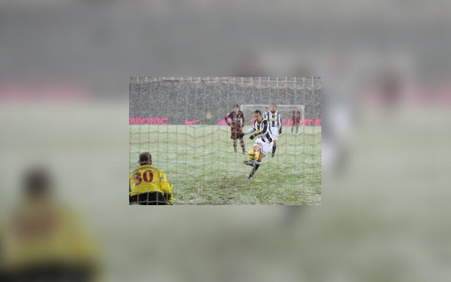 """Triuškinanti """"Juventus"""" pergalė Italijos čempionate"""
