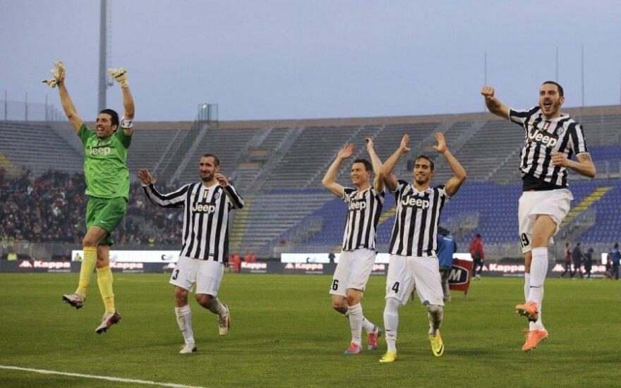 "Turino ""Juventus"" futbolininkai džiaugiasi eiline pergale"