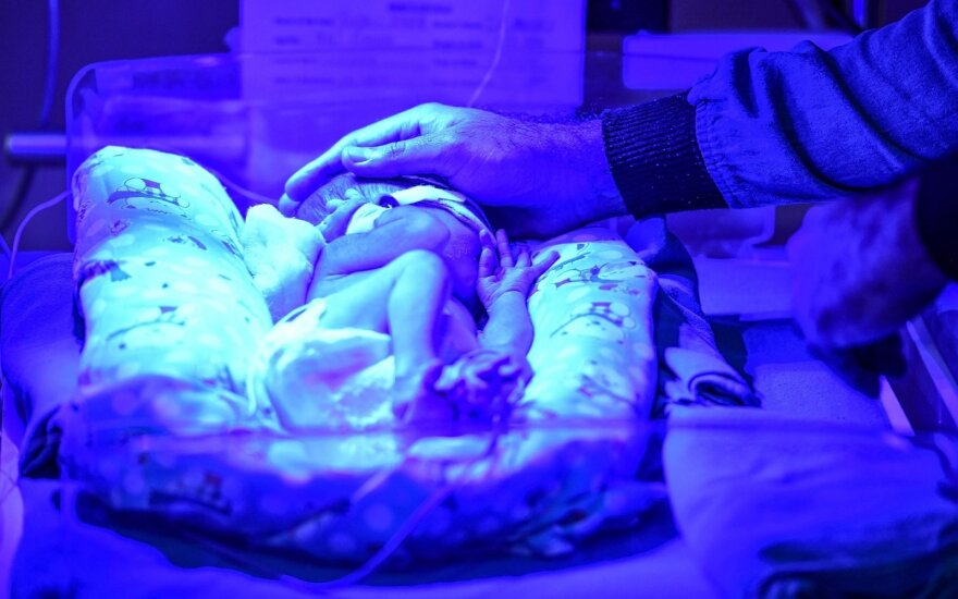 Girtą kūdikį pagimdžiusios moters byloje – atomazga