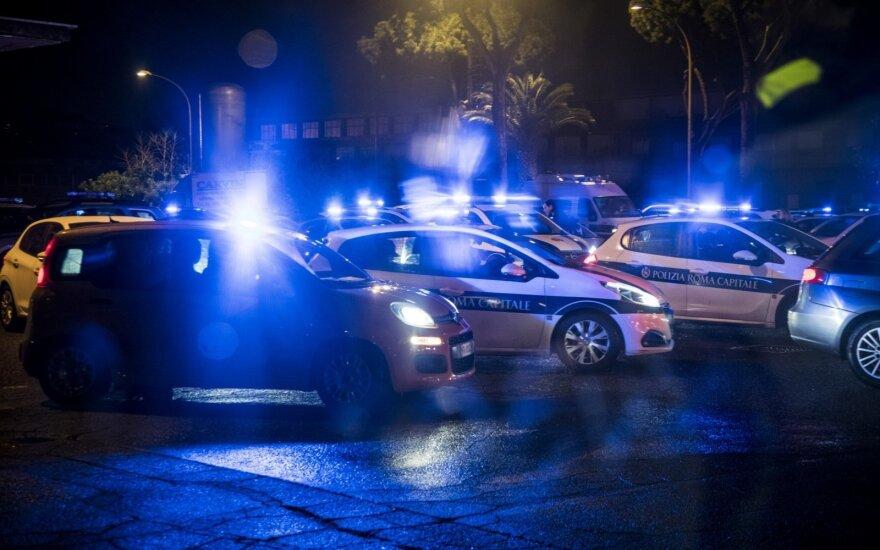 Italijoje vaikus vežęs vairuotojas padegė autobusą