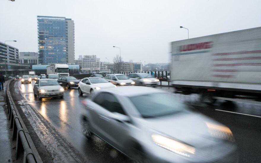 Sostinės gyventojui trūko kantrybė: vairuoti automobilį Lietuvoje yra per pigu