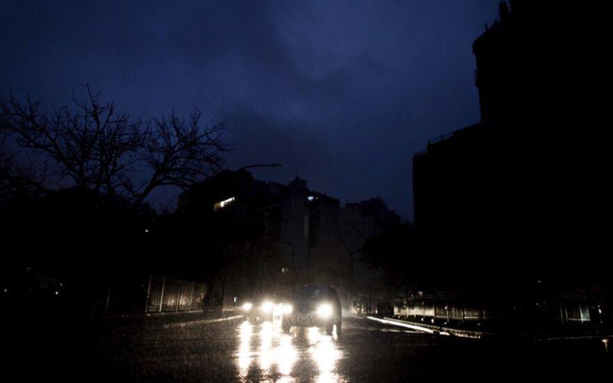 Elektros tinklų gedimas Pietų Amerikoje paveikė dešimtis milijonų žmonių