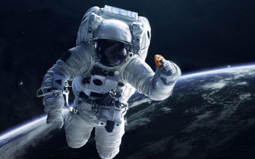 Sausainiai kosmose