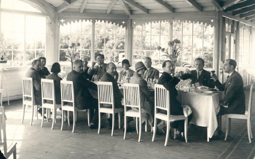 Prie stalo visa Lietuva: ką valgė Lietuvos prezidentai ir kiti garsūs žmonės