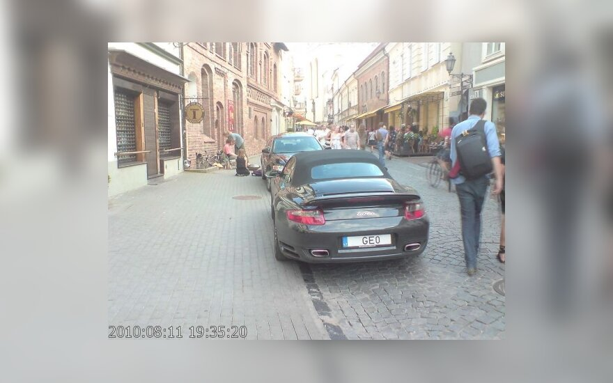 Vilniuje, Pilies g. 8. 2010-08-11, 19.35 val.