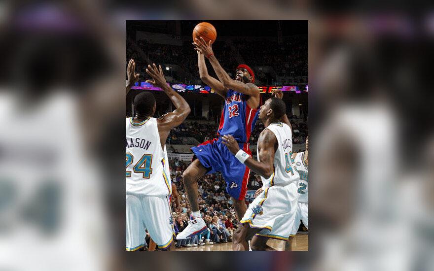 """Veržiasi Richardas Hamiltonas (""""Pistons"""")"""