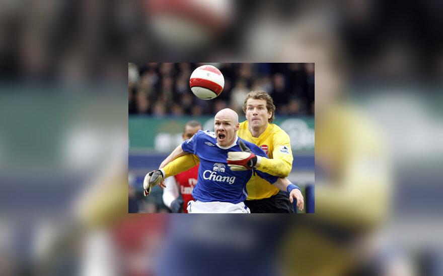 """Andrew Johnsonas (""""Everton"""") pelnė vienintelį įvartį į Jenso Lehmanno (""""Arsenal"""") ginamus vartus"""