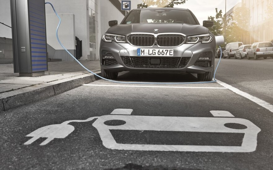 Elektrifikuoti BMW modeliai