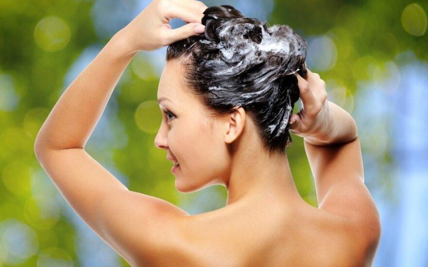 Kaip prižiūrėti ir trinkti plaukus, kad būtų gražūs
