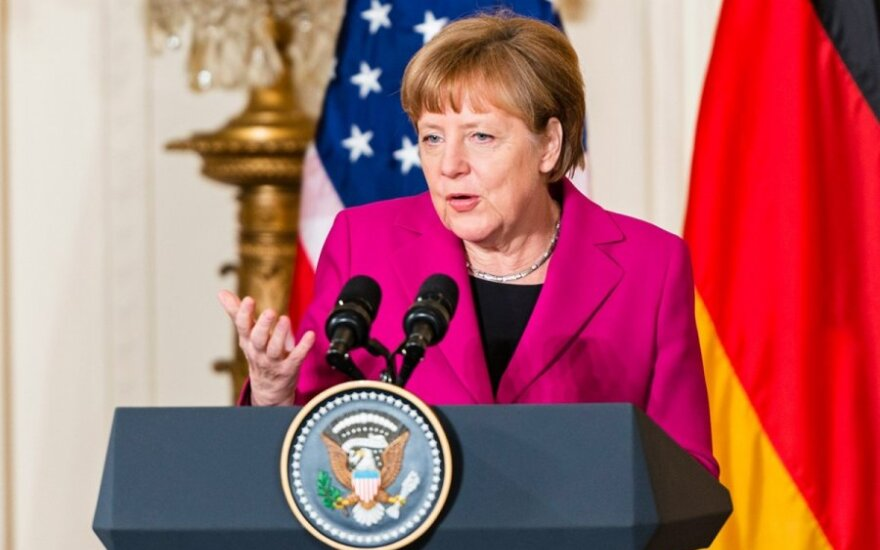 Chancellor Merkel and President Obama discuss Ukrainian situation as fewer options remain to resolve crisis