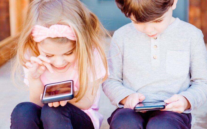 Vaikų socialiniuose tinkluose laukia ne tik draugai