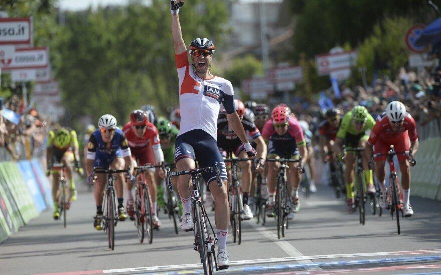 """""""Giro d'Italia"""" dviratininkų lenktynių 17 etapo finišas"""