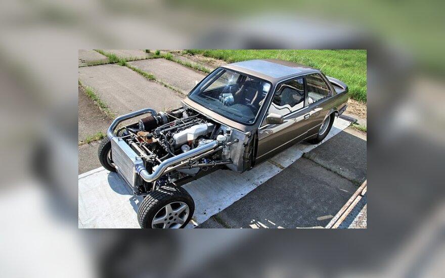 """Drag"" rekordininkas – specialios konstrukcijos BMW"