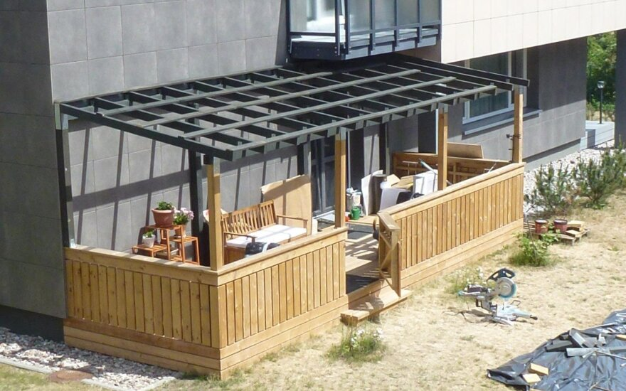 Kaimynus sukiršinusi terasa