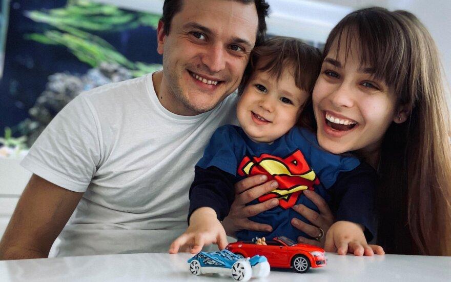 Tomas Pavilionis su šeima