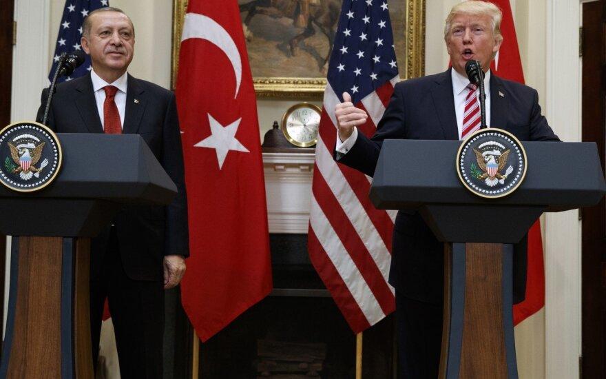 D. Trumpas ir R. T. Erdoganas