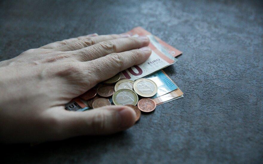 Pensijų fondai uždirbo, bet džiaugtis per anksti