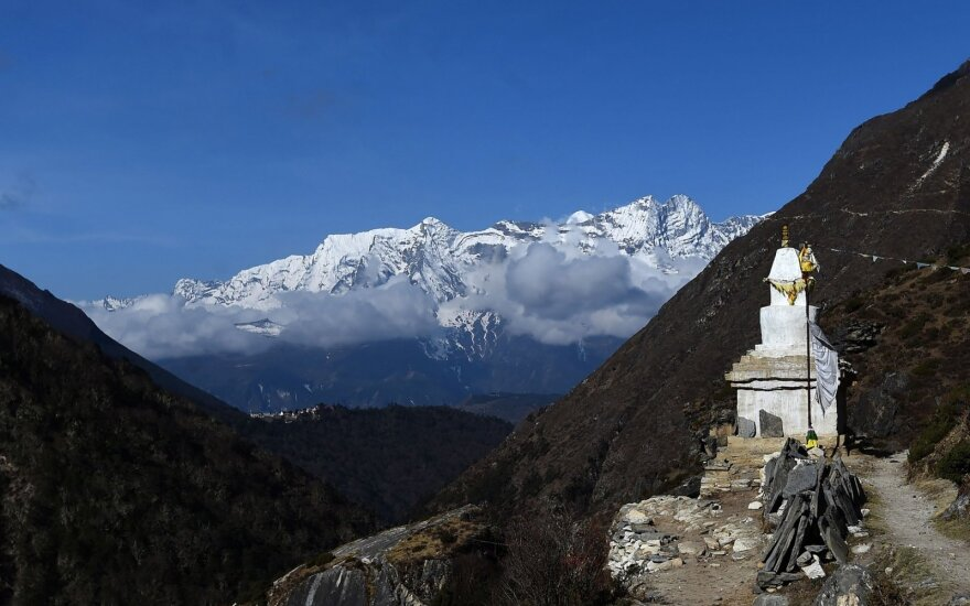 Ant Everesto dingęs vedlys šerpas laikomas žuvusiu
