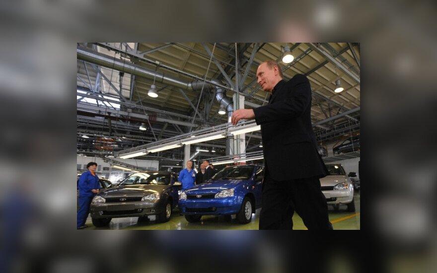 """V.Putinas """"AvtoVAZ"""" gamykloje"""