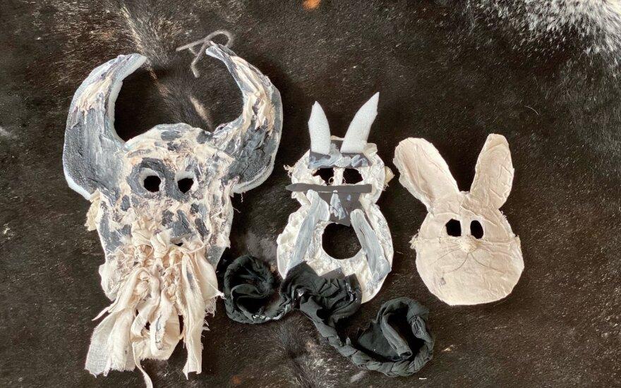 M. Juodeškienės gamintos Užgavėnių kaukės